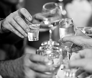 Planning The Christmas Party: 18 Steps to Organising the Perfect Celebration